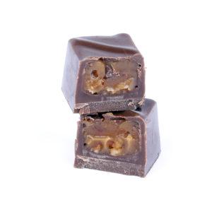 MILK CHOCOLATE WITH CARAMEL & BROKEN PECAN