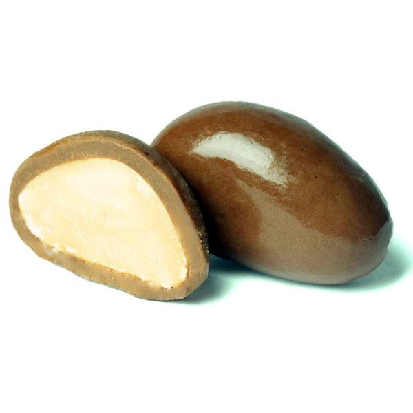 BRAZILNUT COATED WITH MILK CHOCOLATE